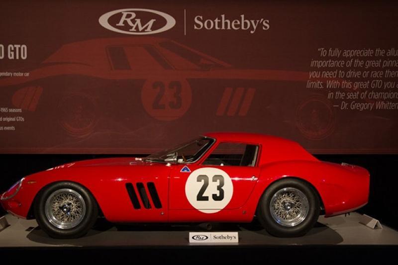 Ferrari 250 GTO recordista, no momento da licitação