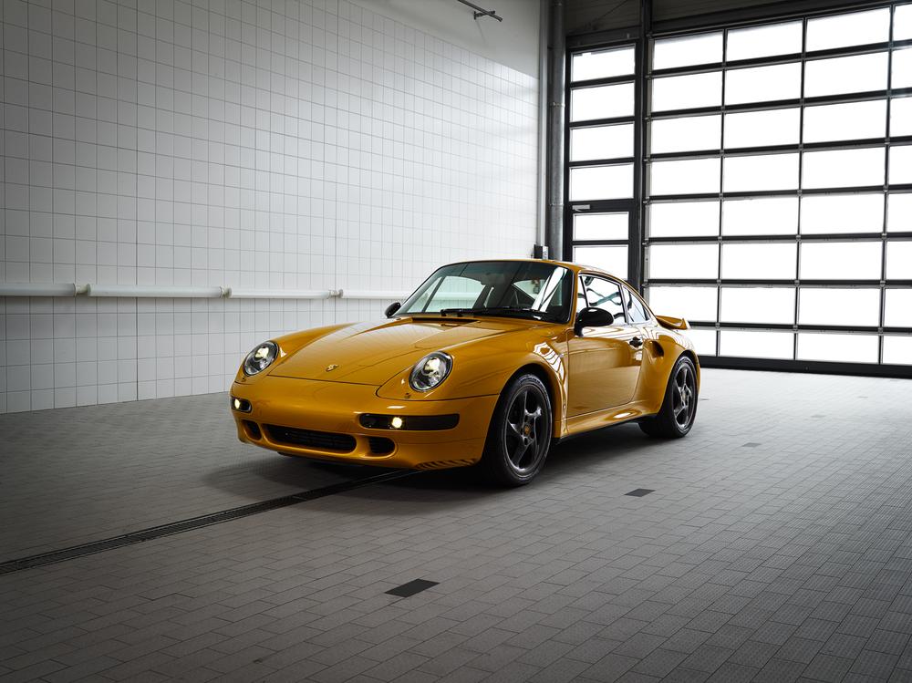 Este 911 993 Turbo S, apelidado de Project Gold, é exemplar único