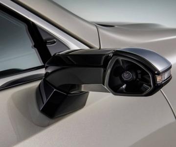 Lexus ES estreia câmaras a fazer a função de espelhos retrovisores
