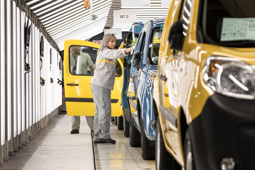 Família de furgões da aliança será produzida em França, na fábrica de Maubeuge