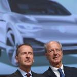 O chairman da VW, Herbert Diess, e o membro do conselho de administração, Hans Dieter Poetsch falaram hoje aos acionistas