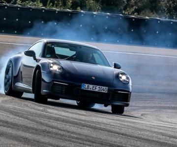Novo Porsche 911 em testes