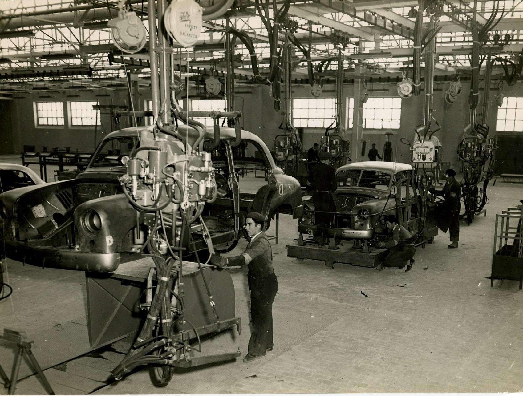 O 1400 começou a ser produzido três anos após a fundação da Seat