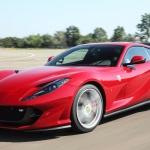 Ferrari 812 Superfast foi lançado em 2017