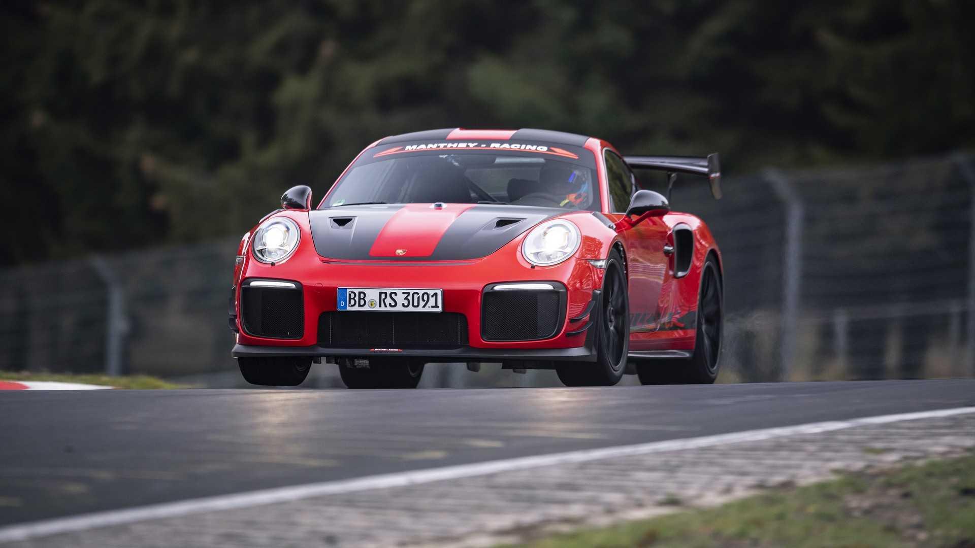 Porsche 911 GT2 RS MR bateu recorde em Nürburgring