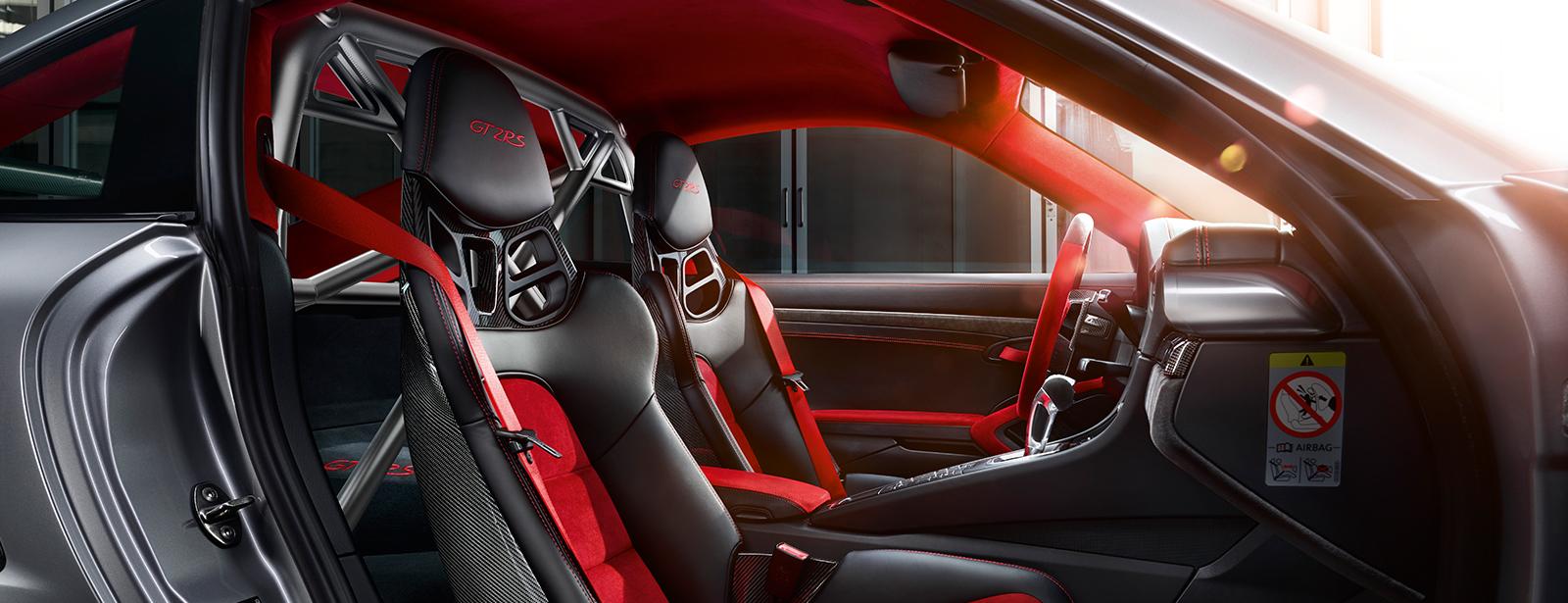 O Clubsport Package aproxima o 911 GT2 RS ainda mais do universo da competição