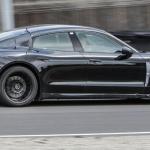 Protótipo do Porsche Taycan em testes