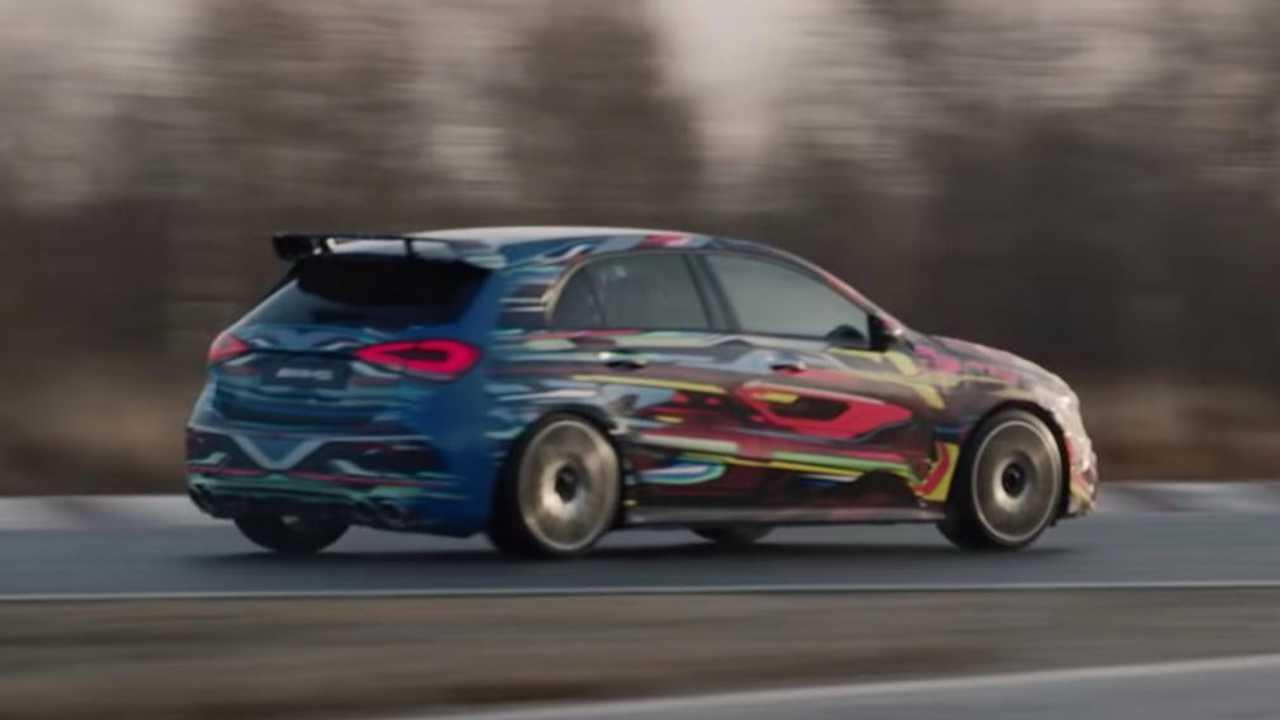 Mercedes-AMG A45 faz testes finais