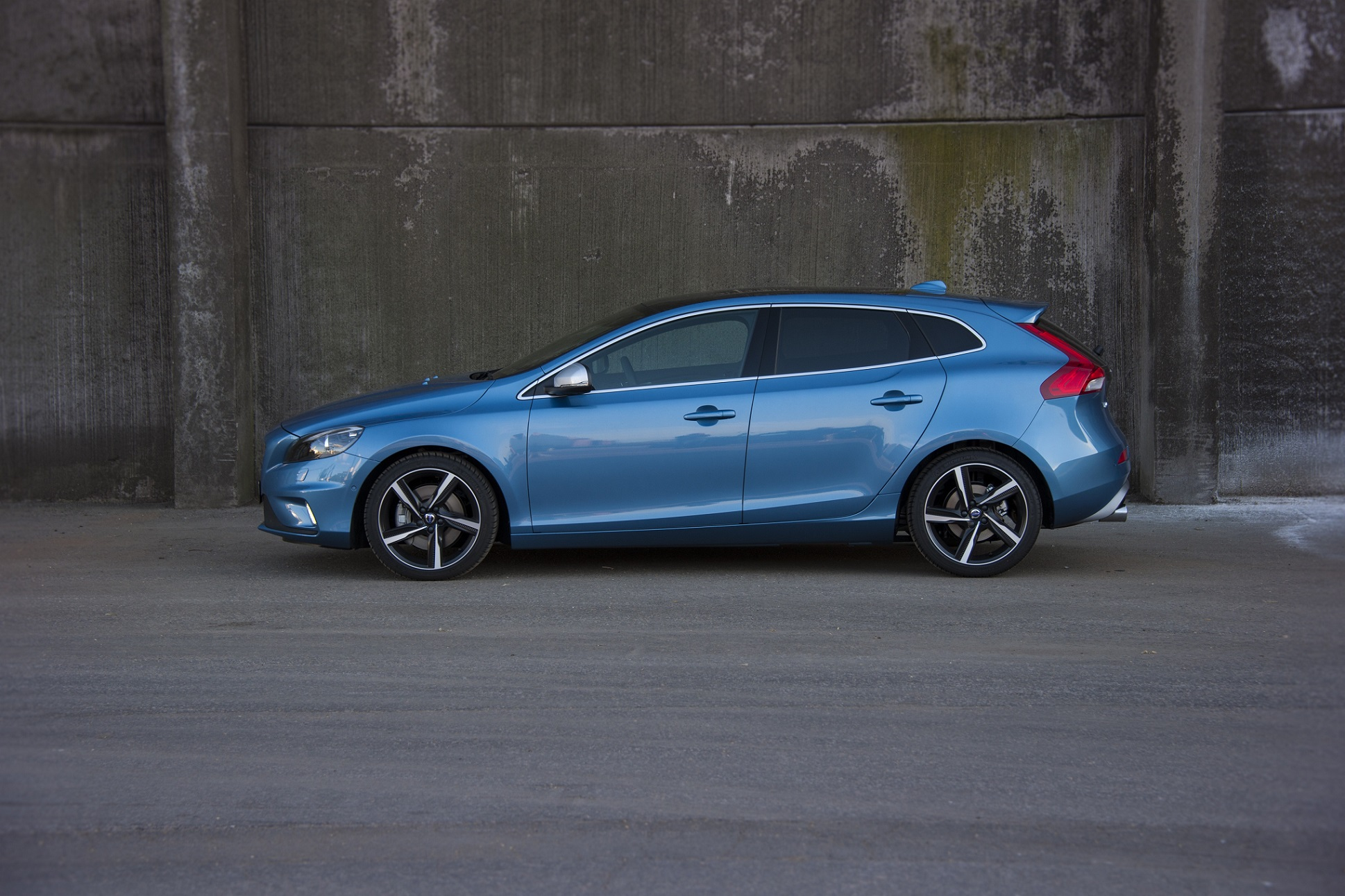 Volvo V40 R-Design - model year 2016