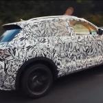 Frame do vídeo do VW T-Roc R em testes em Nürburgring