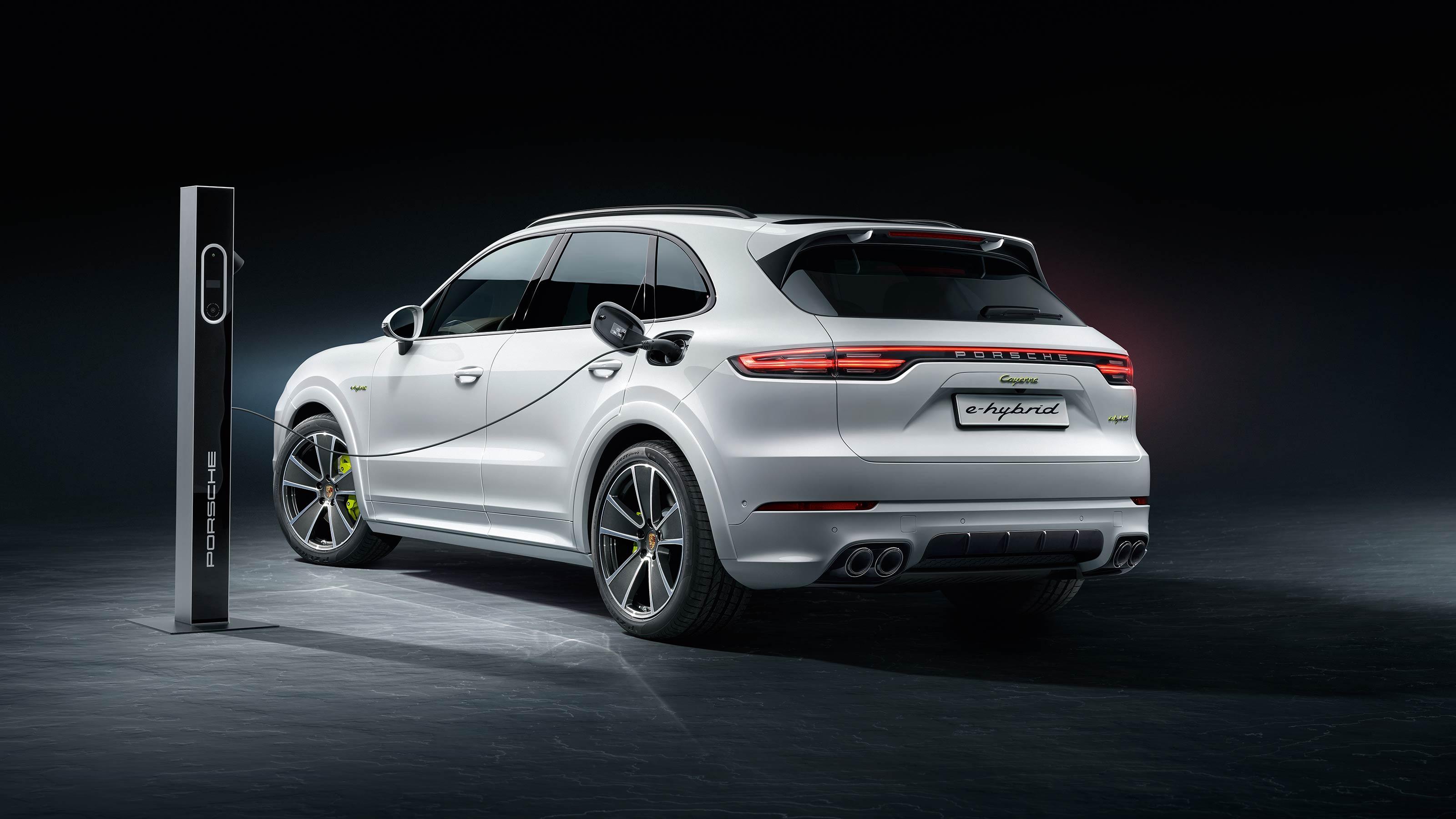 "Porsche Cayenne e-Hybrid terá ""irmão"" híbrido plug-in como topo de gama"