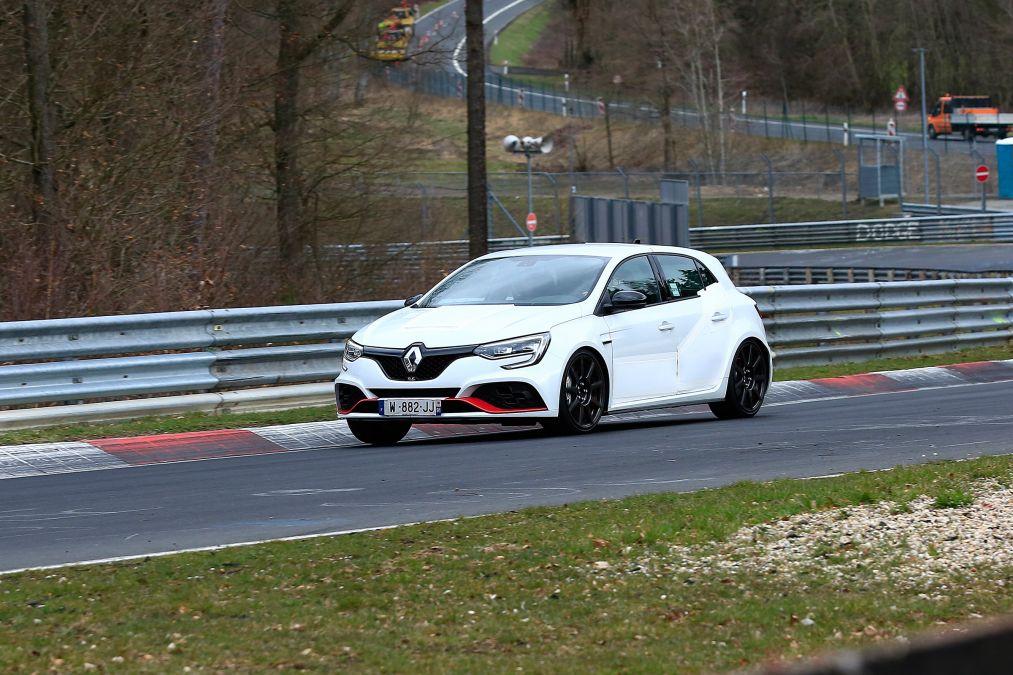 """Renault Mégane RS Trophy R em testes no """"Inferno Verde"""""""