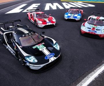 Ford GT com pinturas comemorativas de Le Mans