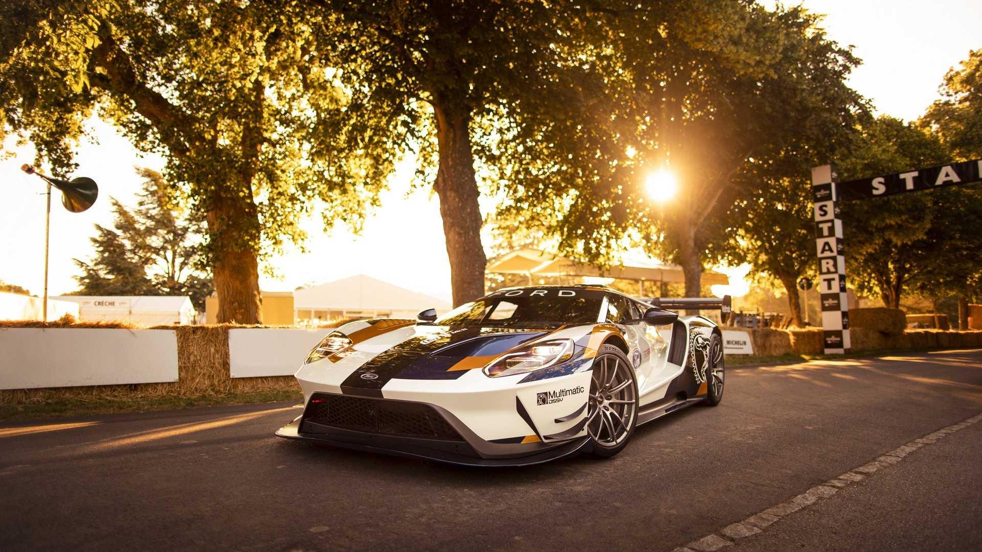 Ford GT de competição tem 700 cv