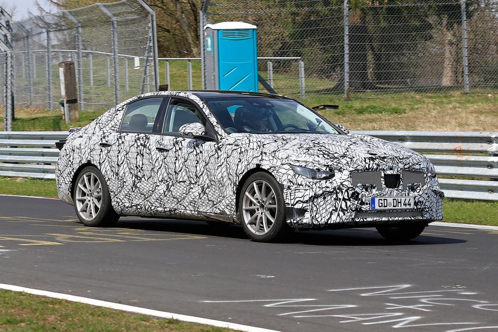 Mercedes-Benz Classe C em testes