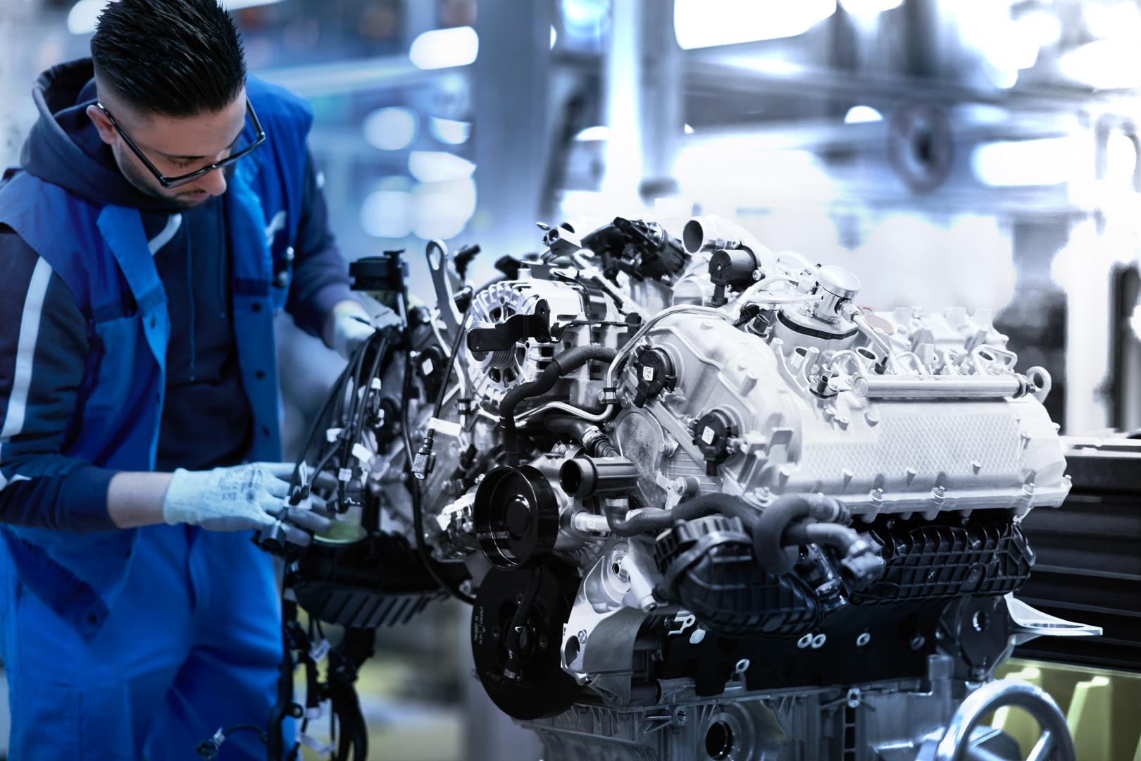 BMW-M850i-Engine-4.4-Twin-Turbo-V8
