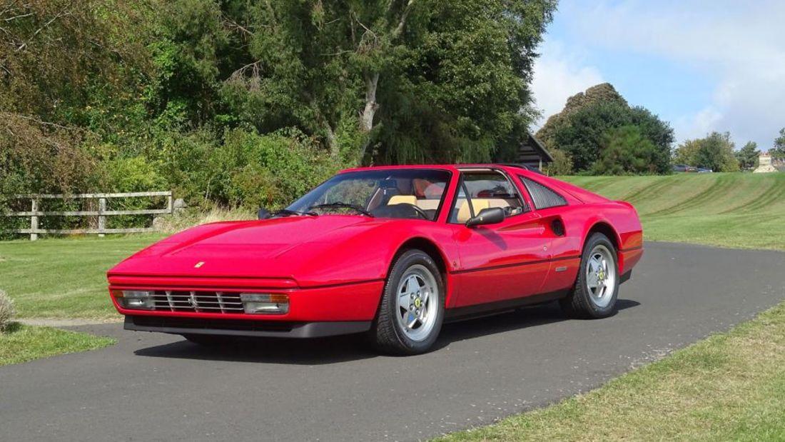 Ferrari 328 GTS vai a leilão