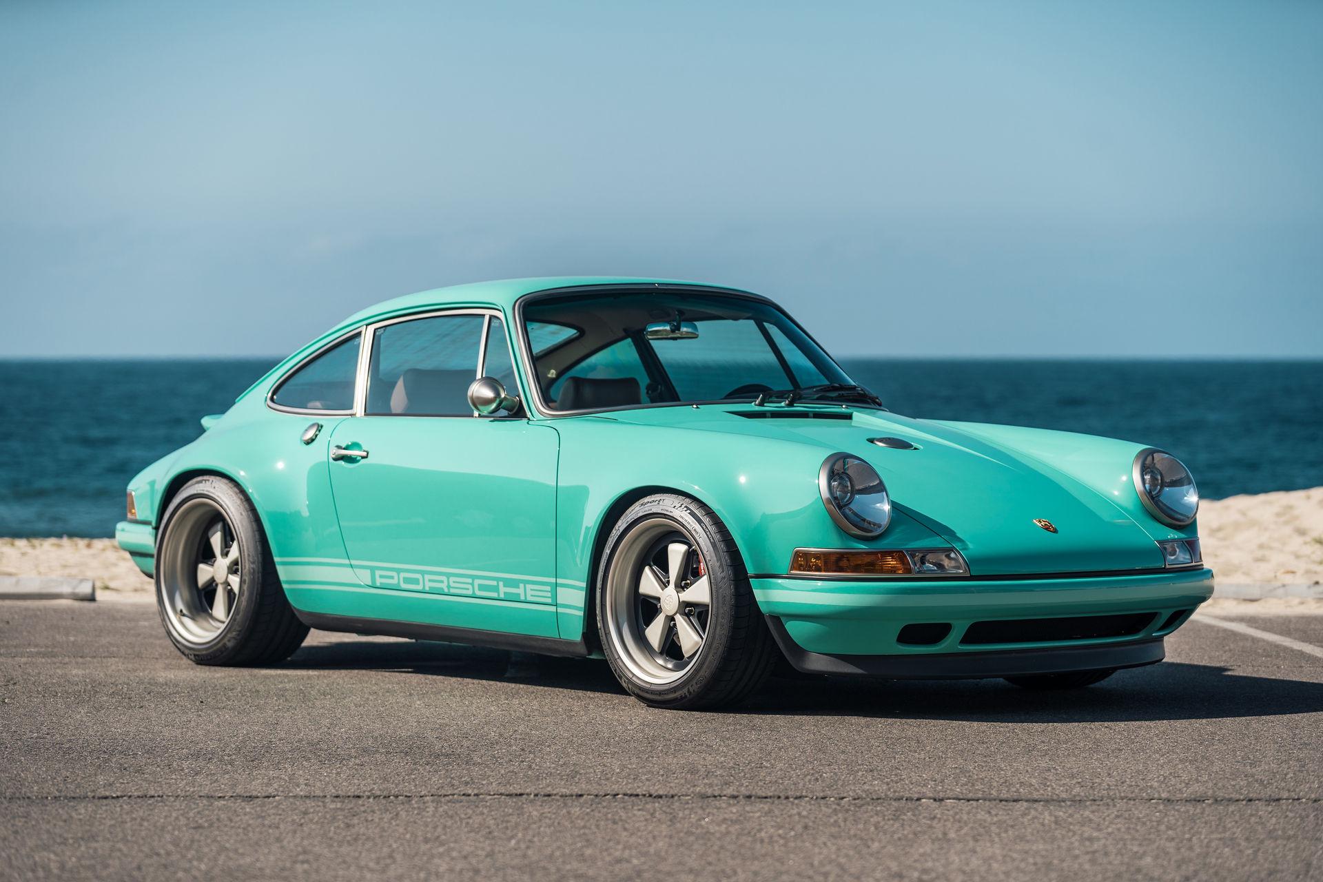 Porsche 911 Malibu Singer