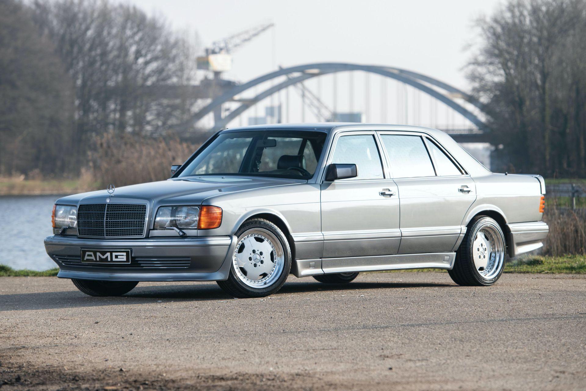 Mercedes-Benz 560 SEL AMG