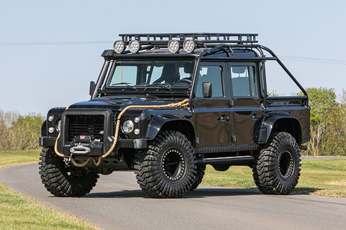 Land Rover Defender 110 de James Bond
