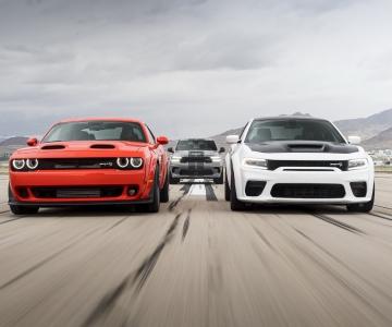 Dodge Charger Hellcat Redeye, Challenger SRT Super Stock e Durango Hellcat