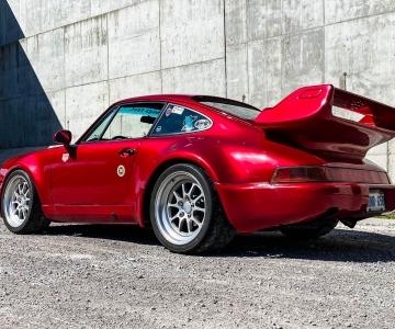 Porsche 911 Carrera Outlaw