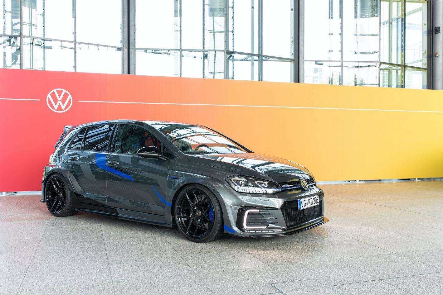 VW Golf GTE HyRACER Concept