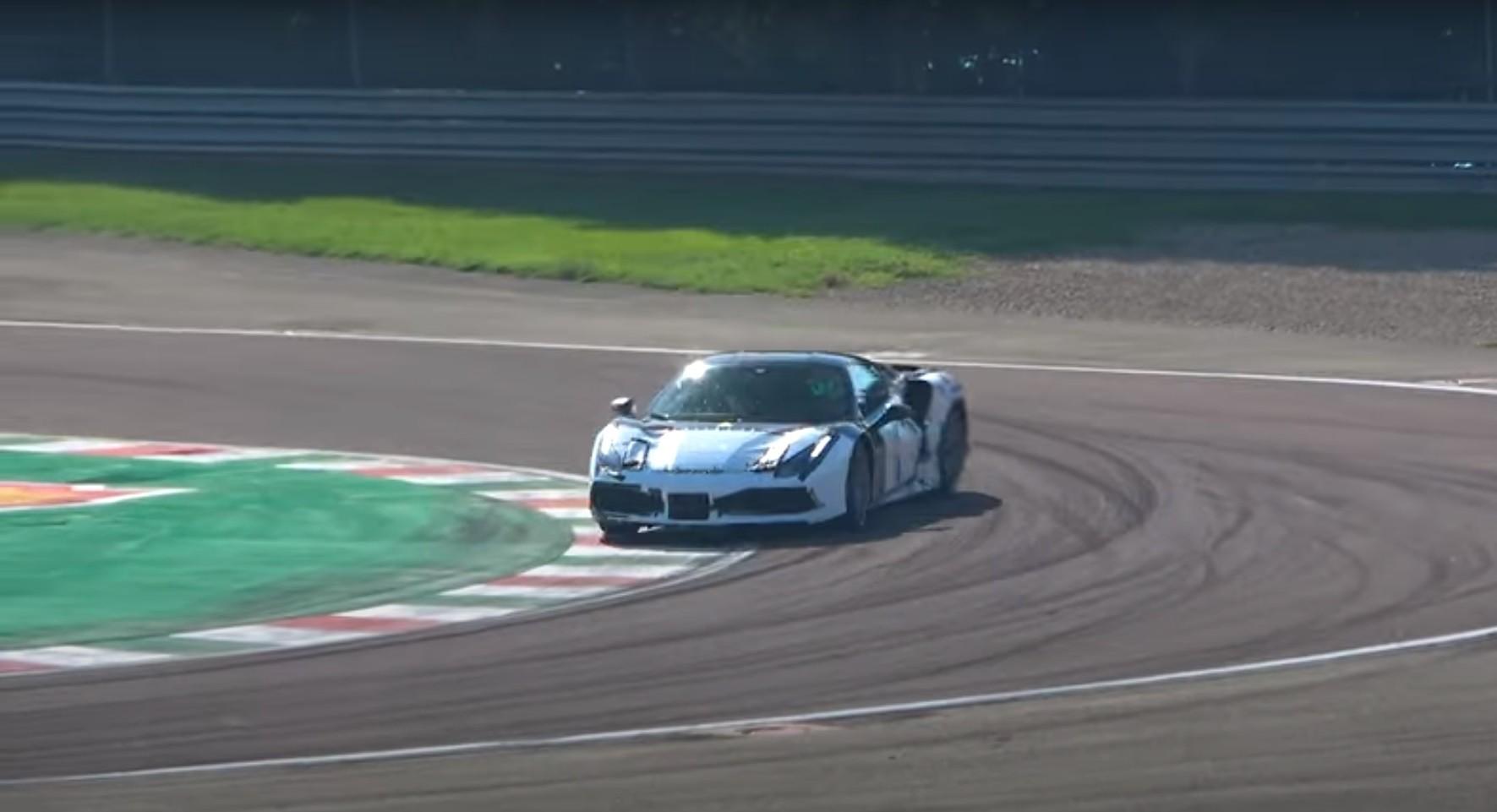 Ferrari V6 híbrido em testes