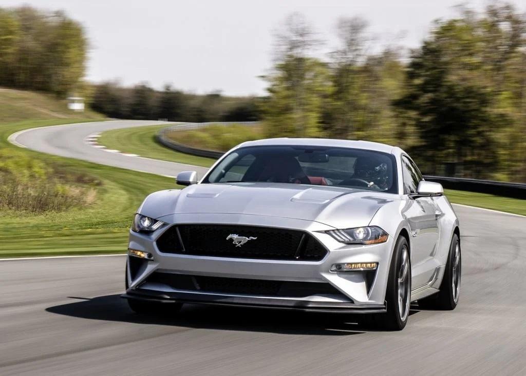 Ford Mustang terá novo motor V8
