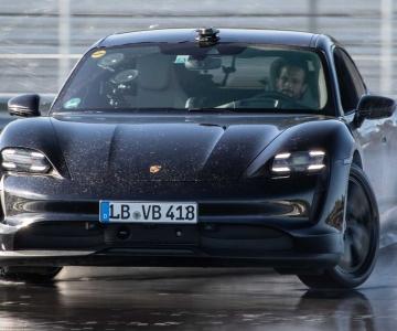 Porsche Taycan drift
