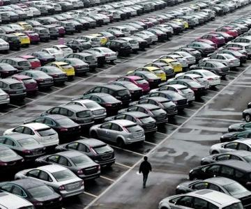 Parque automóvel nacional tem uma média de 13 anos de idade