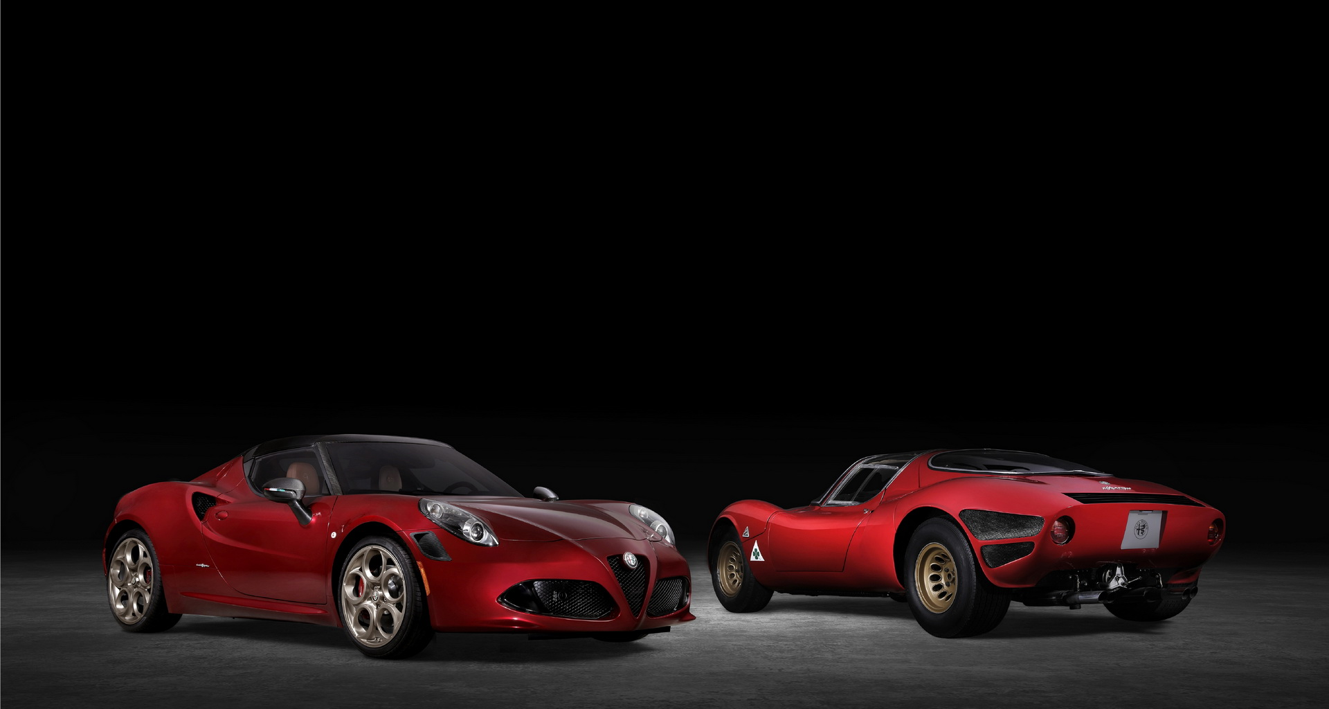 Alfa Romeo 4C Spider 33 Stradale Tributo e 33 Stradale