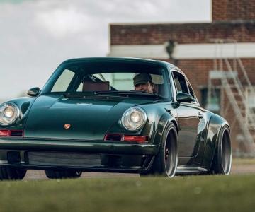 Porsche 911 DLS by Singer