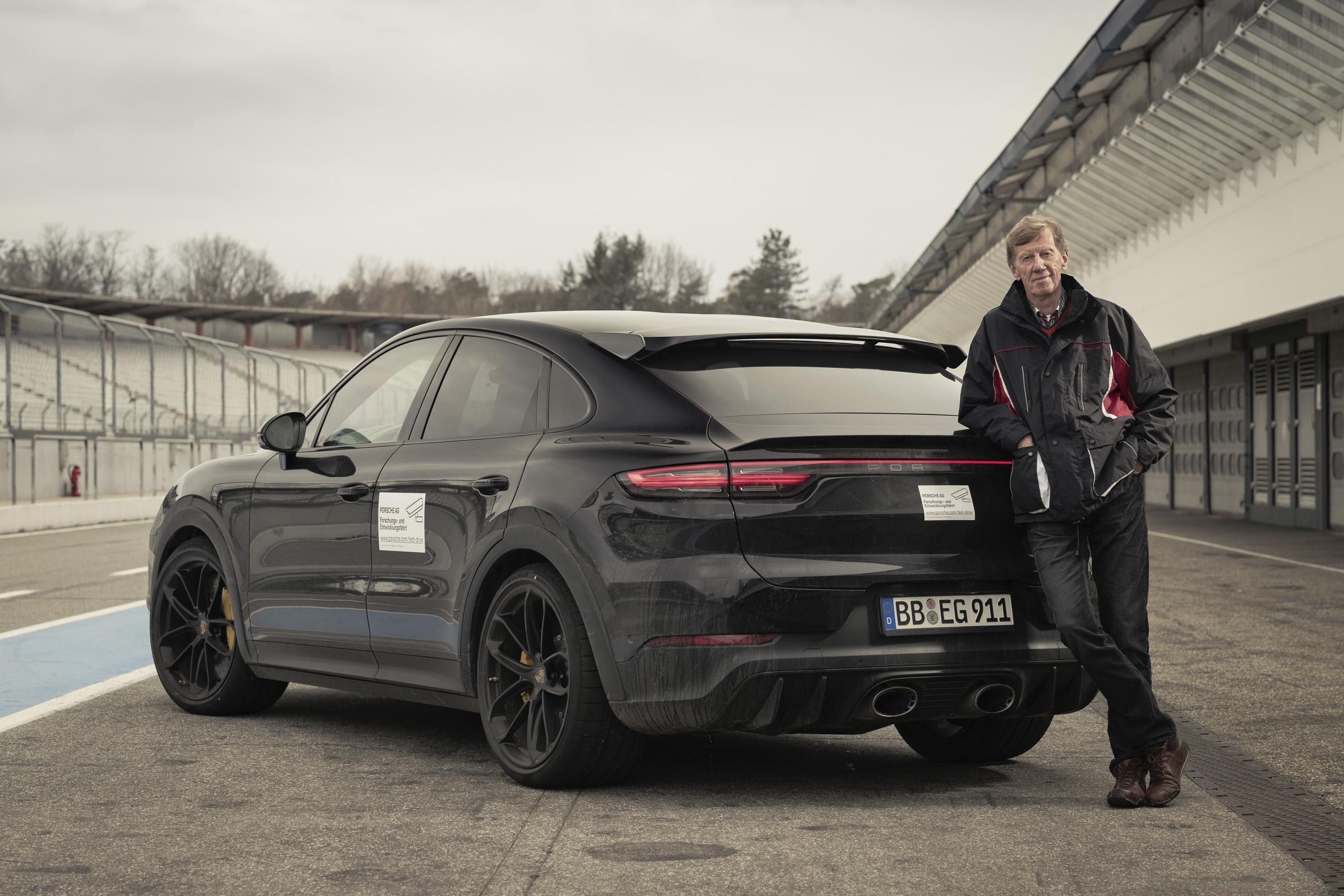 Porsche prepara versão desportiva não híbrida do Cayenne Coupé