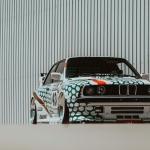 BMW M3 E30 com decoração do Tic Tac